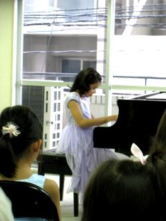 東京浅草・蔵前のトリニティー子ども教室「園児小学生ピアノクラス」1